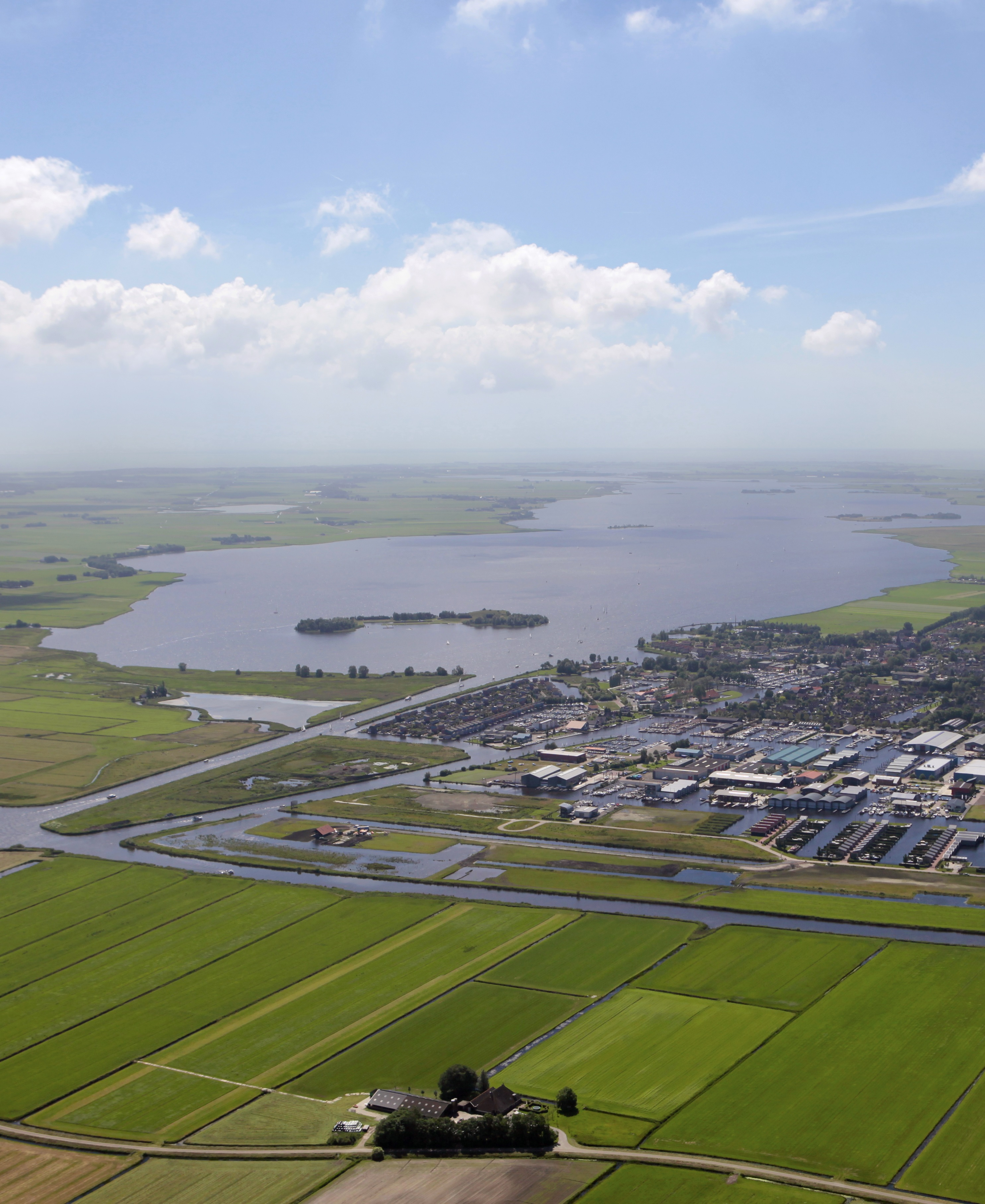 Haven Resort Heeg luchtfoto